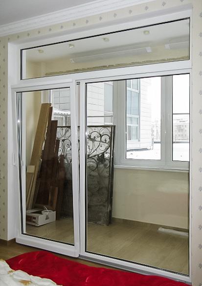 Оконные порталы на балконах в интерьере фото.